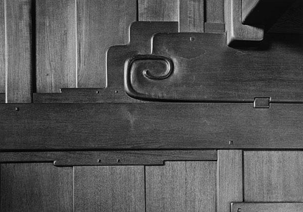 グリーン&グリーン ロバート・R・ブラッカー邸のインテリアのディテール、1974年