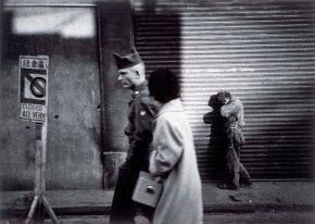 《東京 街》 1953年 ©高知県,石元泰博フォトセンター