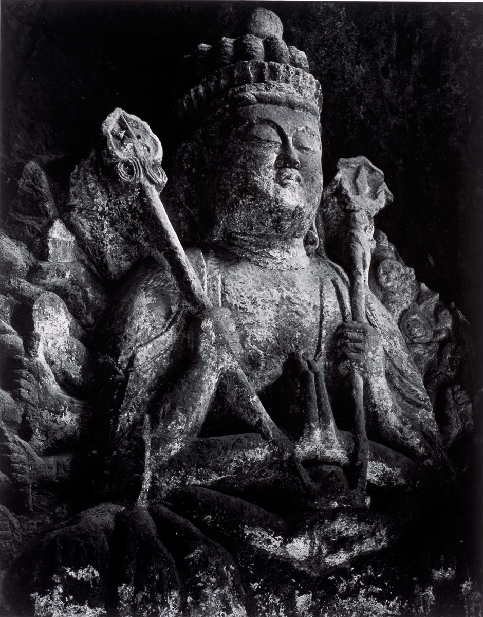 The Stone Buddha Carvings, Usuki, 1977 ©Kochi Prefecture, Ishimoto Yasuhiro Photo Center
